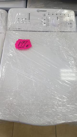 lavadora de carga superior Indesit itwa51052w