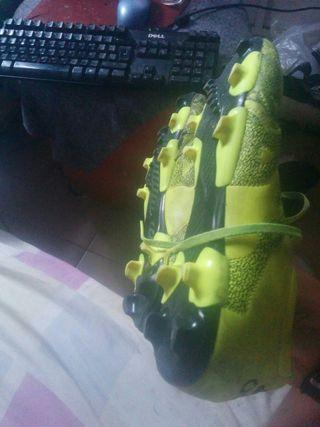 vendo estupendos zapatos Adidas