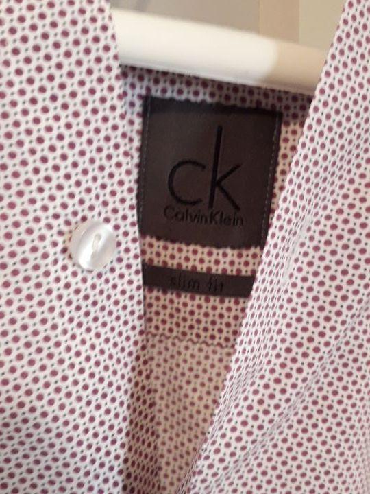 camisa calvin klein en perfecto estado