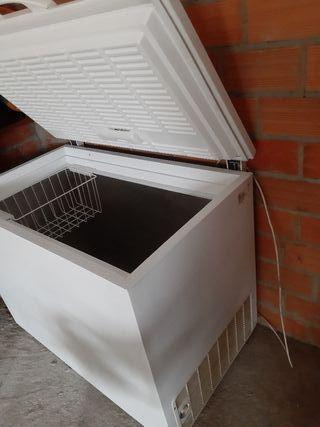 Arcón congelador Zanussi