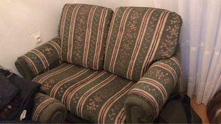 Se regalan 2 sofás uno de ellos sofá cama URGE