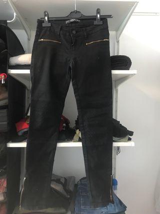 Pantalón cremalleras