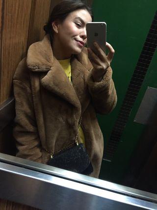 Abrigo pelo marrón