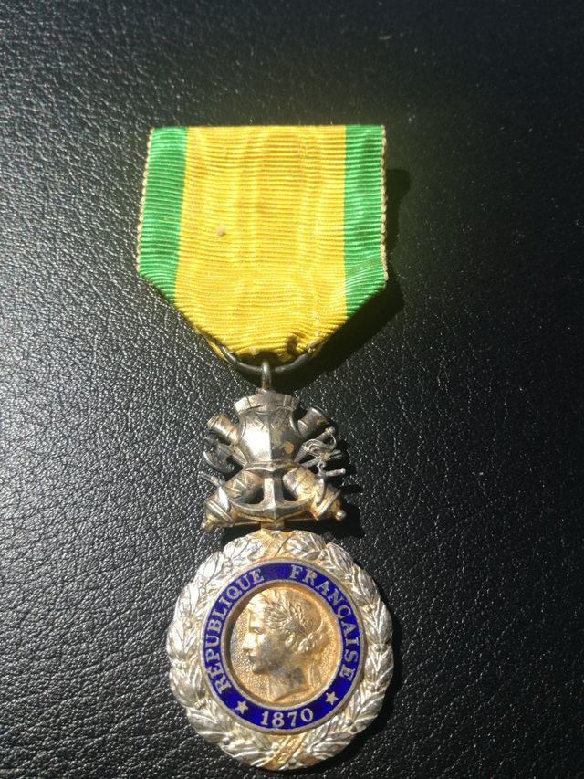 medalla original francesa al valor y a la discipli