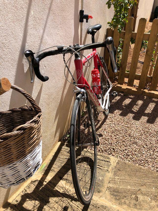 Bicicleta carretera FOCUS