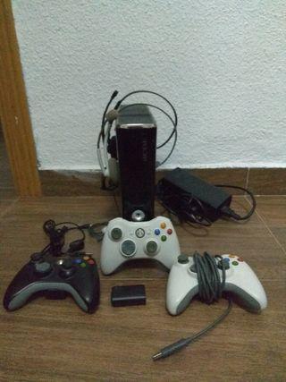Xbox 360 + mando, juegos, etc