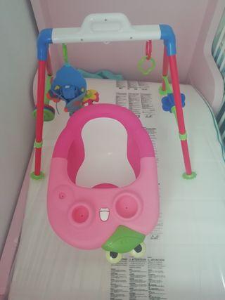 juguete bebe y asiento baño