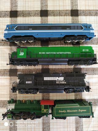 Lote de 4 locomotoras analógicas a escala H0.