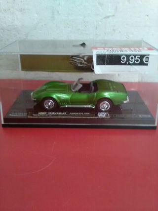 Maqueta coche Chevrolet Corvette 1969 mida 1\43