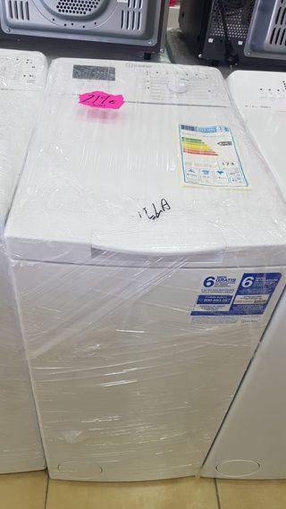lavadora de carga superior Indesit btwA61052