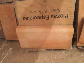 60 Baldosas verteaguas de ceramica. 32,5x16x4