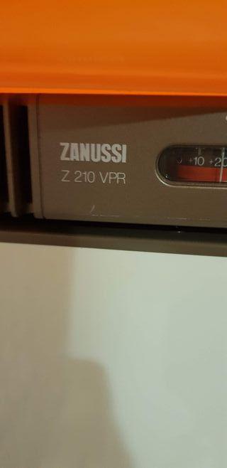 Congelador Zanussi Z210 VPR