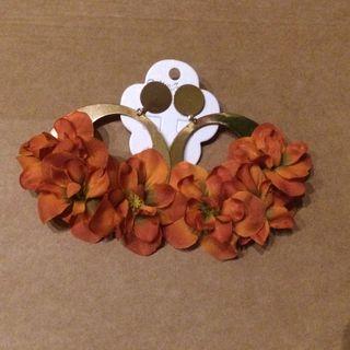 686a89a683d1 Pendientes de flamenca dorados de segunda mano en WALLAPOP