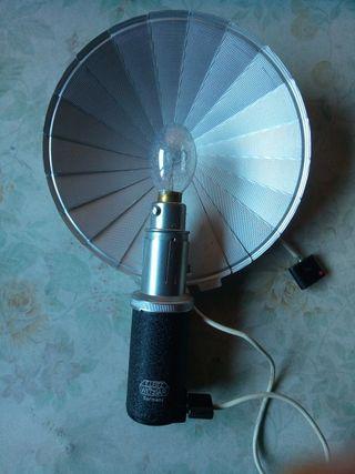 Flash Leitz años 50, bombilla de magnesio y cable