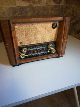 Radio antigua para coleccionistas