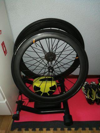 Rodillo bkool smart pro + ruedas perfil carbono 50