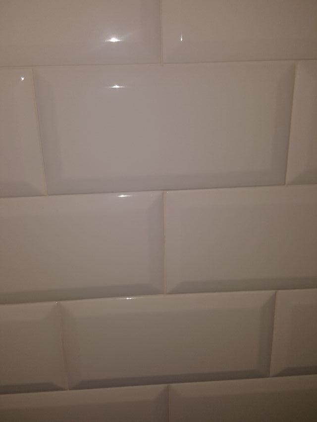 azulejos blancos, con brillo.10x20.
