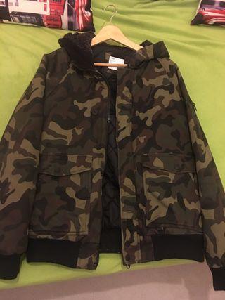 Vendo chaqueta militar casi nueva L