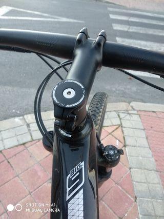 se vende bicicleta de montaña por cambio a doble