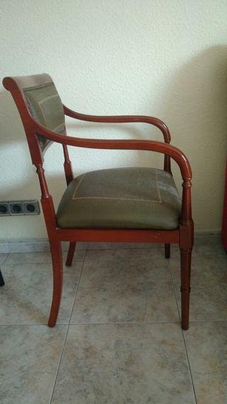 Sillas de escritorio antiguas de segunda mano en wallapop for Sillas despacho segunda mano