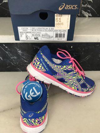 Zapatillas nuevas de Asics talla 38