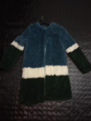 abrigo de pelo ligero y de mucho abrigo
