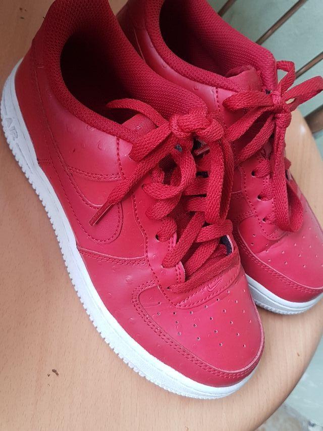 Af1 rojo talla36