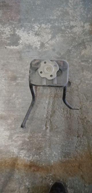 soporte interior rueda recambio terrano1