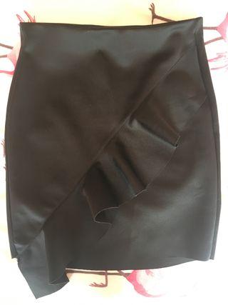 6c6b506495 Falda negra elástica de segunda mano en la provincia de Tarragona en ...