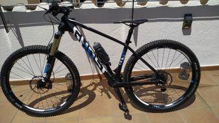 Bicicleta MTB GHOST asket Carbono