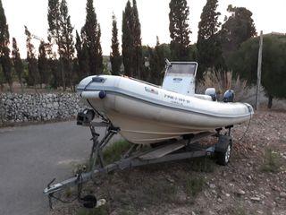 barca neumática, semirrígida embarcación motor