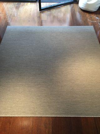 Alfombra gris 2x2m nueva