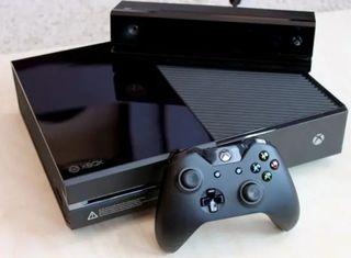 Xbox One con juegos, sin mando