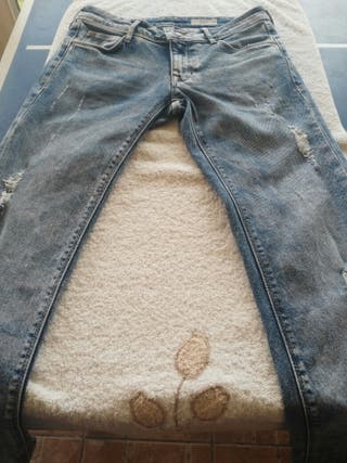 pantalon vaquero de HM ,chica.