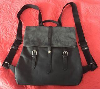 Bolso mochila KCB negro tela y piel