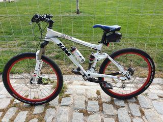 Bicicleta KTM Lycan 4.0