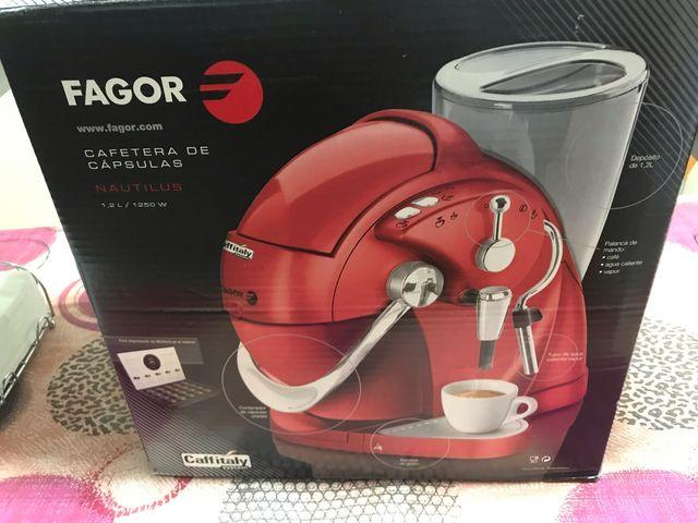 Cafetera de cápsulas Fagor