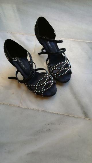 zapato de baile latino