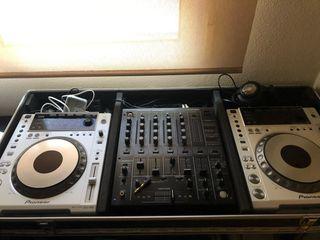 Mesa de mezclas Pioneer 2/ CDJ 850, DJM 500.