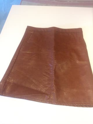 13a9c4f09 Falda marrón cuero de segunda mano en WALLAPOP