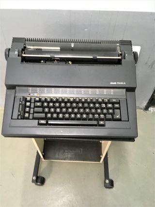 Máquina de escribir Olivetti PRAXIS 40