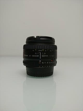 Nikon AF Nikkor 40mm f/1.8D