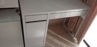mesa escritorio de ordenador