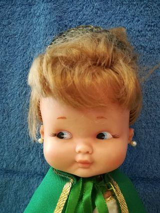 Muñeca Rapaciña reina por un dia de Famosa años 60