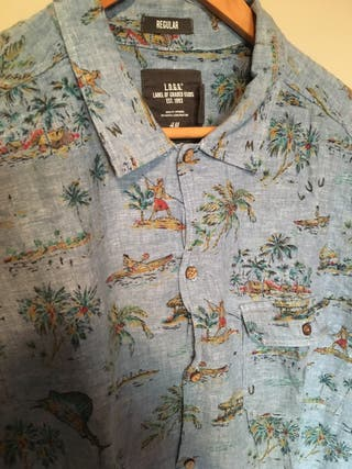 Camisa con estampado talla L