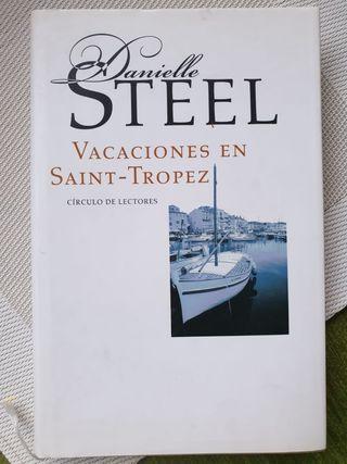 """Libro """"Vacaciones en Saint-Tropez"""""""