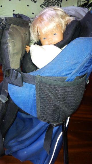 Mochila porta bebés Vaude de montaña