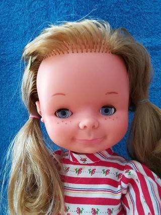 Muñeca Chatuca de Famosa años 70.