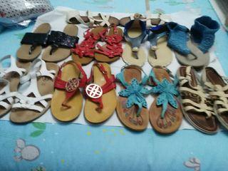 9 pares de sandalias