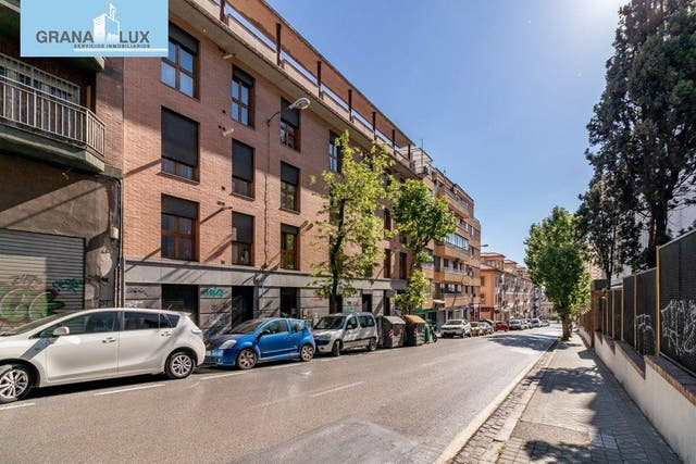 Piso en venta en Pajaritos - Plaza de Toros en Granada